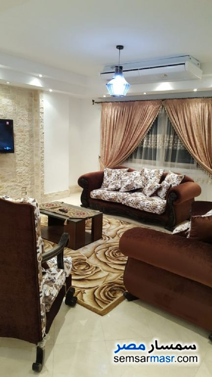 Photo 15 - Apartment 3 bedrooms 2 baths 200 sqm super lux For Rent Mohandessin Giza