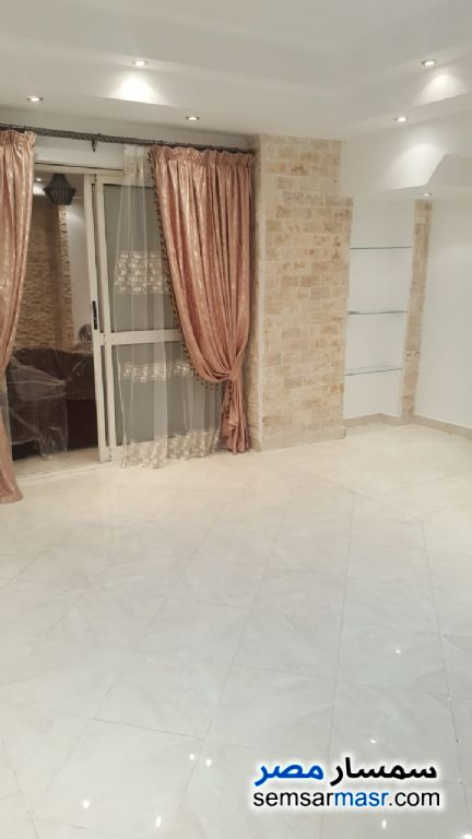 Photo 4 - Apartment 3 bedrooms 2 baths 200 sqm super lux For Rent Mohandessin Giza