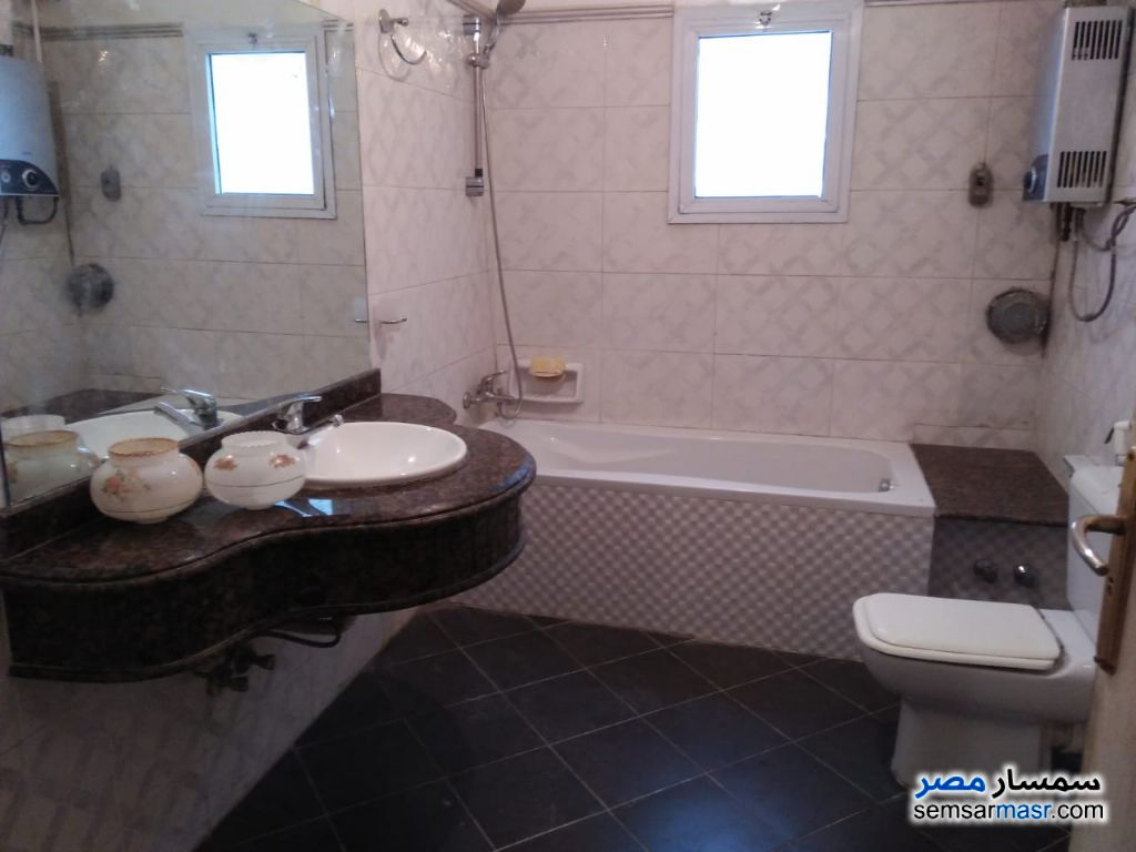 Photo 2 - Apartment 2 bedrooms 2 baths 150 sqm extra super lux For Rent Dokki Giza