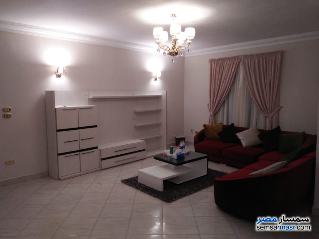Photo 2 - Apartment 3 bedrooms 3 baths 180 sqm extra super lux For Rent Mohandessin Giza