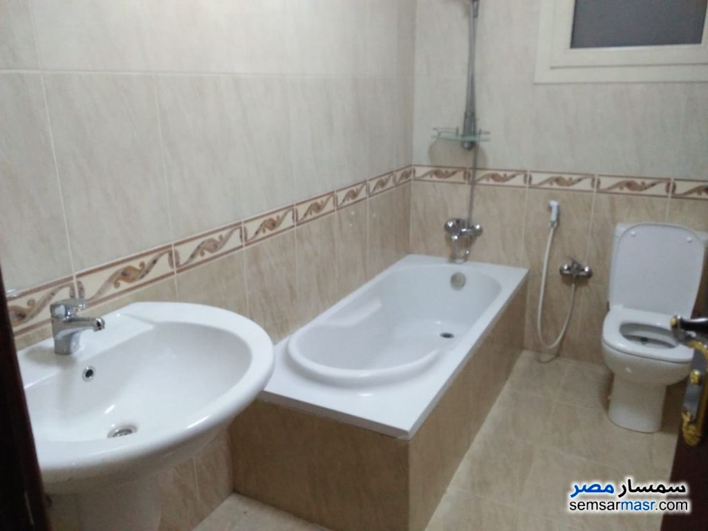Photo 7 - Apartment 3 bedrooms 3 baths 180 sqm extra super lux For Rent Mohandessin Giza