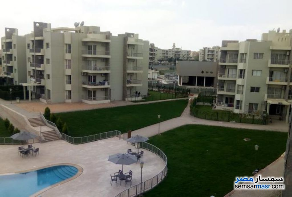 Ad Photo: Apartment 3 bedrooms 2 baths 134 sqm super lux in Sheikh Zayed  6th of October