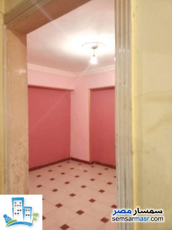 Ad Photo: Apartment 3 bedrooms 1 bath 105 sqm lux in Boulaq Dakrour  Giza