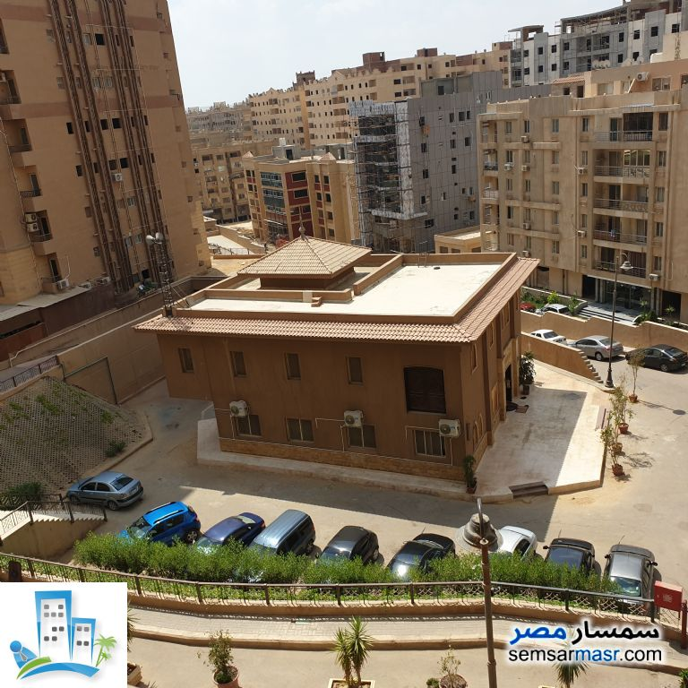 Ad Photo: Apartment 2 bedrooms 1 bath 105 sqm extra super lux in Maadi  Cairo