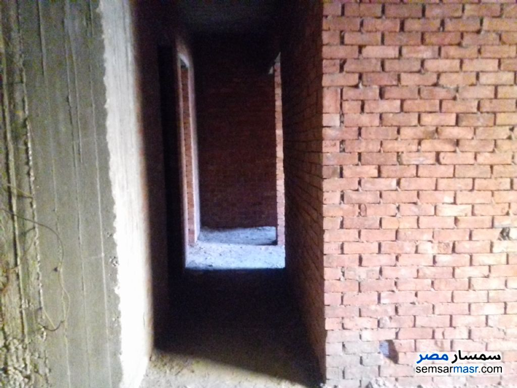 Photo 2 - Apartment 3 bedrooms 2 baths 133 sqm without finish For Sale Hadayek Al Ahram Giza