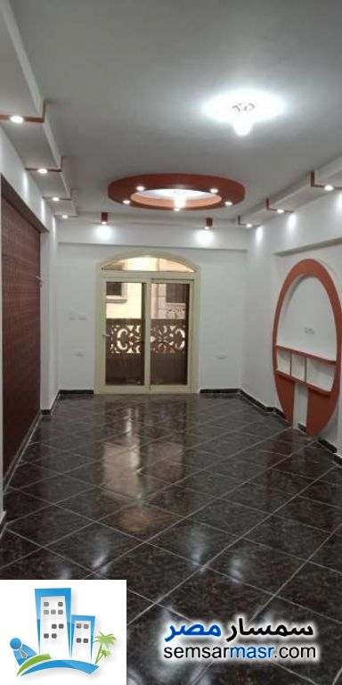 Ad Photo: Apartment 3 bedrooms 1 bath 120 sqm extra super lux in Kafr Al Dawwar  Buhayrah