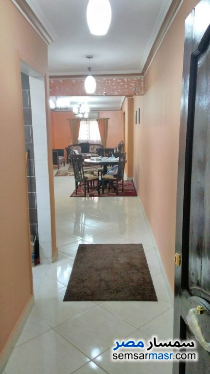 Photo 1 - Apartment 3 bedrooms 1 bath 125 sqm super lux For Rent Haram Giza