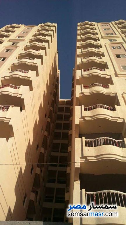 Photo 1 - Apartment 3 bedrooms 2 baths 130 sqm without finish For Sale Hadayek Helwan Cairo