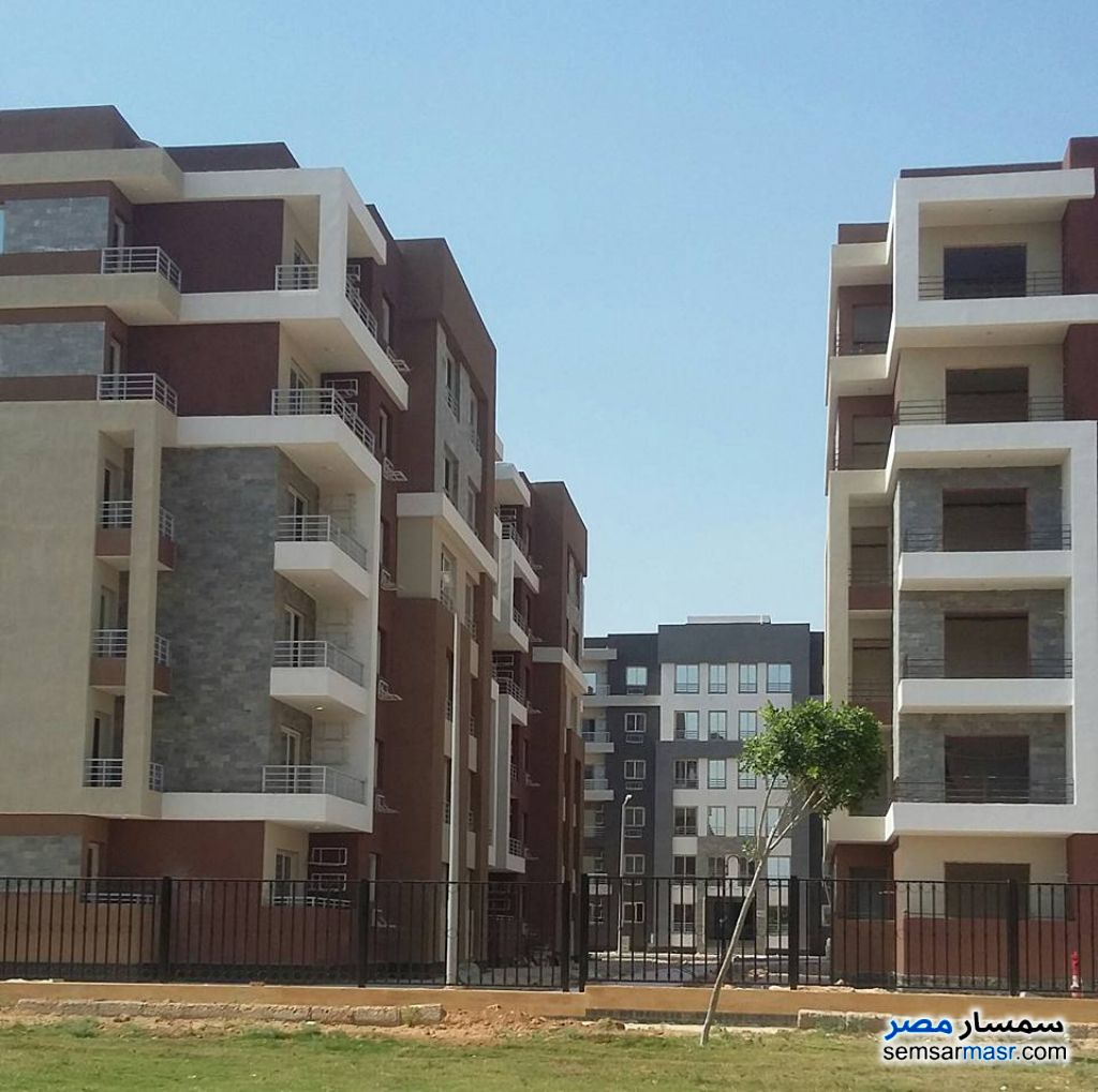 Photo 2 - Apartment 3 bedrooms 2 baths 130 sqm extra super lux For Sale Shorouk City Cairo