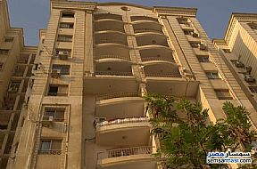 Ad Photo: Apartment 2 bedrooms 2 baths 130 sqm semi finished in Maadi  Cairo