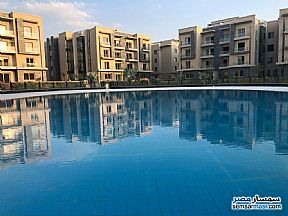 Ad Photo: Apartment 2 bedrooms 2 baths 135 sqm semi finished in Fifth Settlement  Cairo