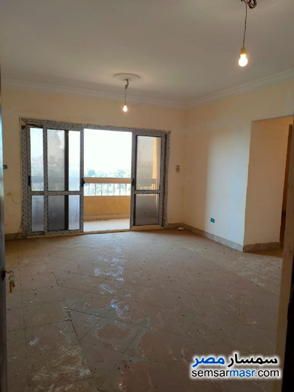 Photo 2 - Apartment 3 bedrooms 2 baths 135 sqm lux For Sale Halwan Cairo