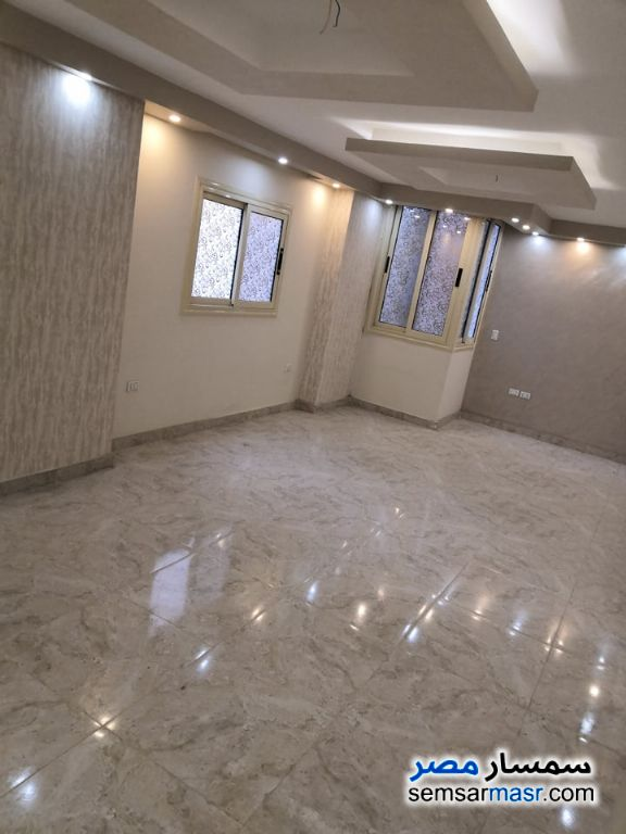 Photo 3 - Apartment 3 bedrooms 1 bath 137 sqm extra super lux For Sale Hadayek Al Kobba Cairo