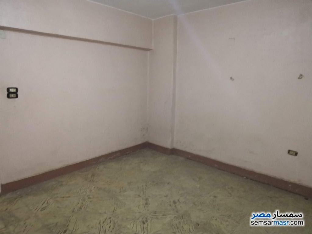 Ad Photo: Apartment 3 bedrooms 1 bath 140 sqm lux in Ain Shams  Cairo