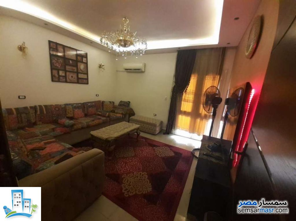 Apartment 3 bedrooms 2 baths 150 sqm super lux For Sale Mokattam Cairo - 3