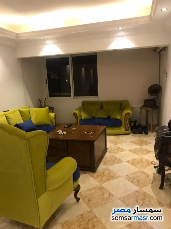 Ad Photo: Apartment 2 bedrooms 1 bath 150 sqm in Zamalek  Cairo