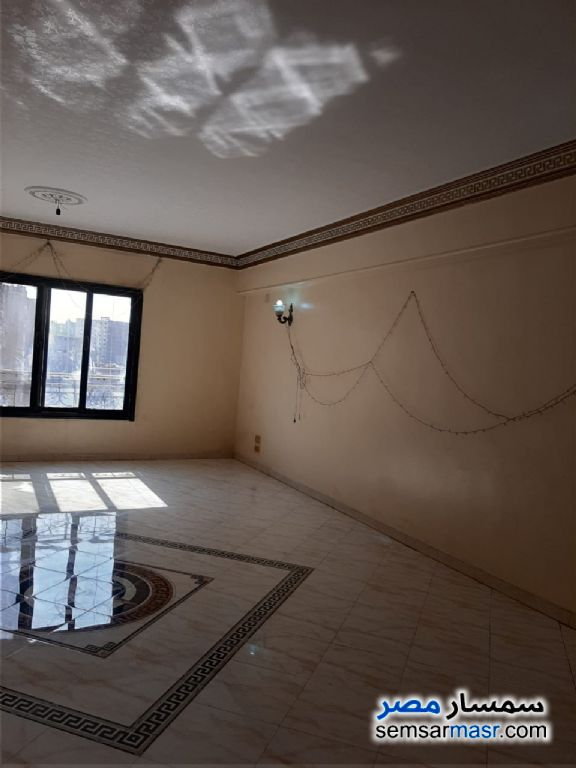 Ad Photo: Apartment 3 bedrooms 2 baths 160 sqm extra super lux in Tersa  Giza