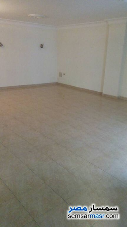 Photo 5 - Apartment 3 bedrooms 2 baths 170 sqm extra super lux For Rent New Nozha Cairo