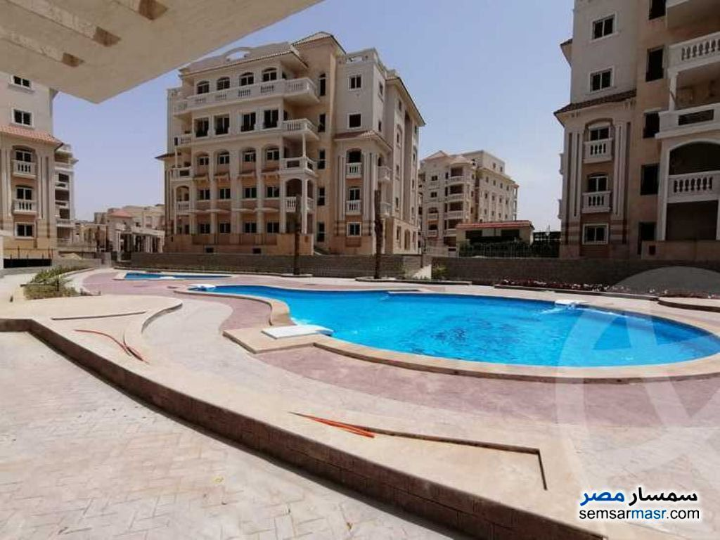 Ad Photo: Apartment 3 bedrooms 3 baths 164 sqm semi finished in First Settlement  Cairo