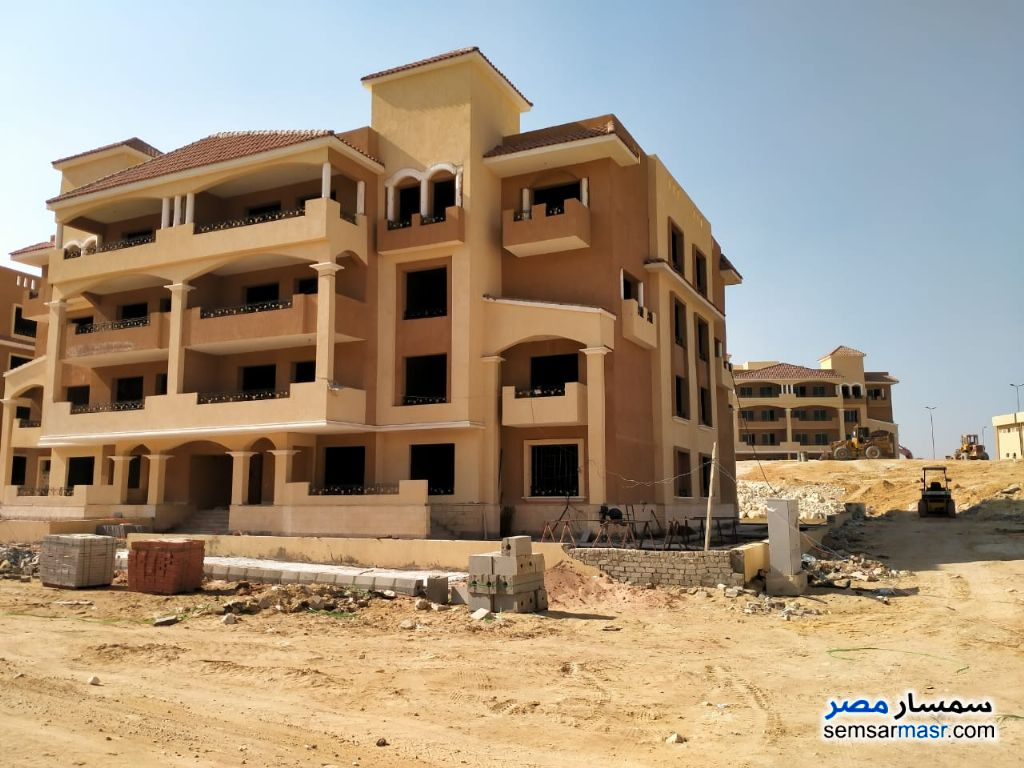 Ad Photo: Apartment 3 bedrooms 3 baths 164 sqm semi finished in Sheikh Zayed  6th of October