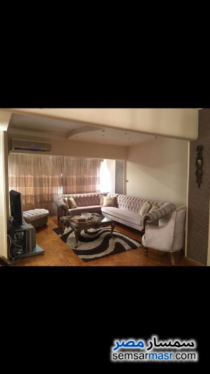 Photo 1 - Apartment 2 bedrooms 1 bath 170 sqm extra super lux For Rent Zamalek Cairo