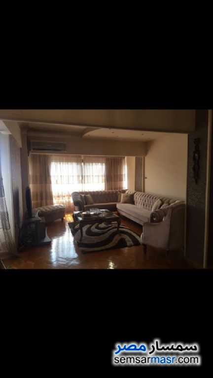 Photo 3 - Apartment 2 bedrooms 1 bath 170 sqm extra super lux For Rent Zamalek Cairo
