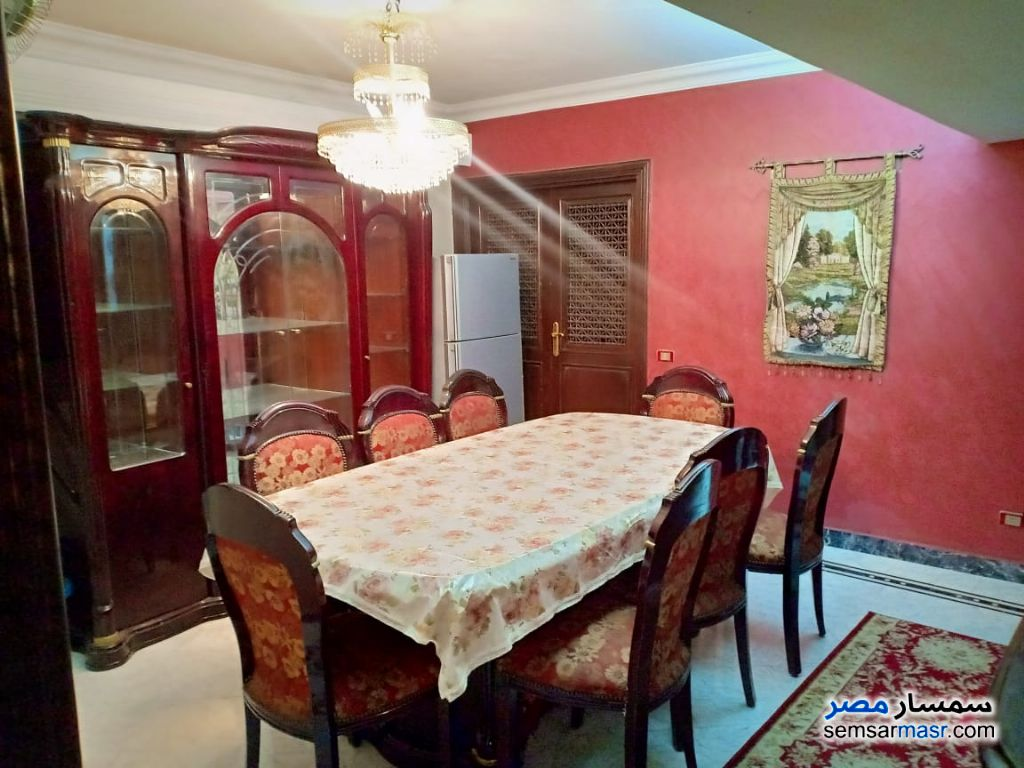 Photo 3 - Apartment 3 bedrooms 1 bath 180 sqm super lux For Rent Mohandessin Giza