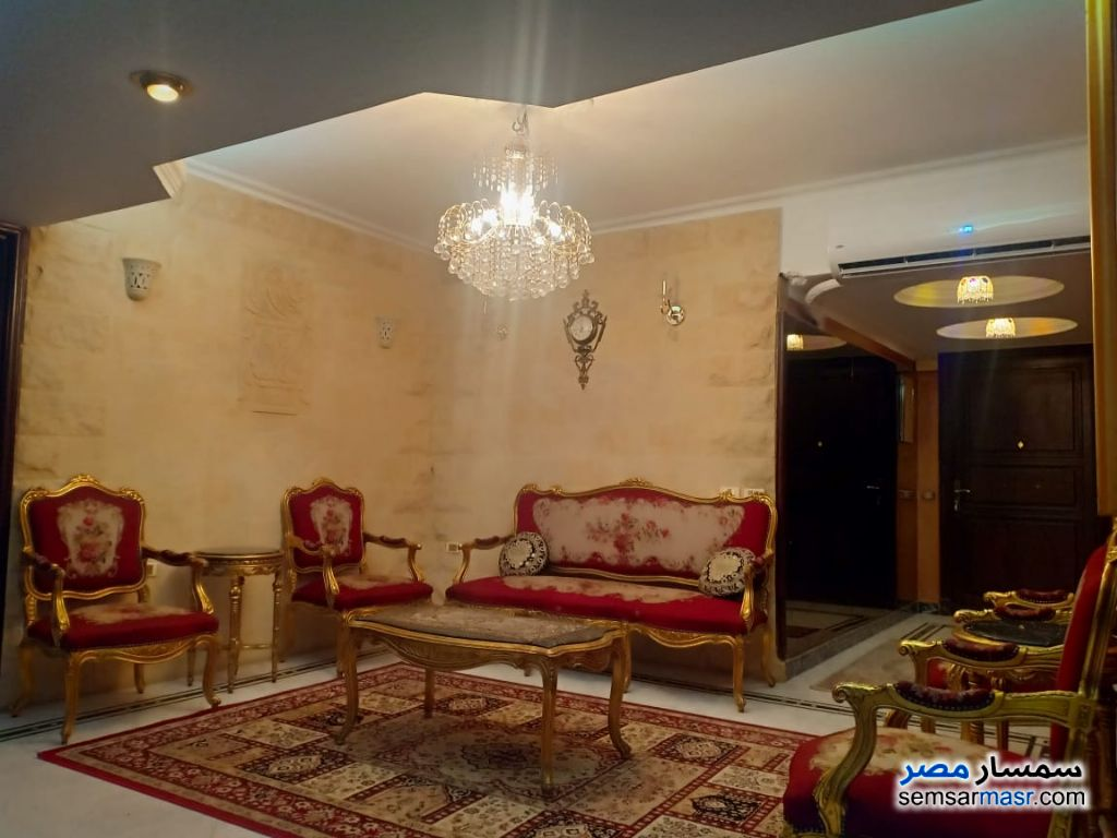 Photo 5 - Apartment 3 bedrooms 1 bath 180 sqm super lux For Rent Mohandessin Giza
