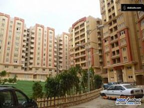 Ad Photo: Apartment 4 bedrooms 3 baths 211 sqm semi finished in Maadi  Cairo