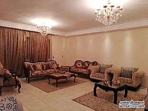 Ad Photo: Apartment 3 bedrooms 2 baths 250 sqm extra super lux in Hadayek Helwan  Cairo