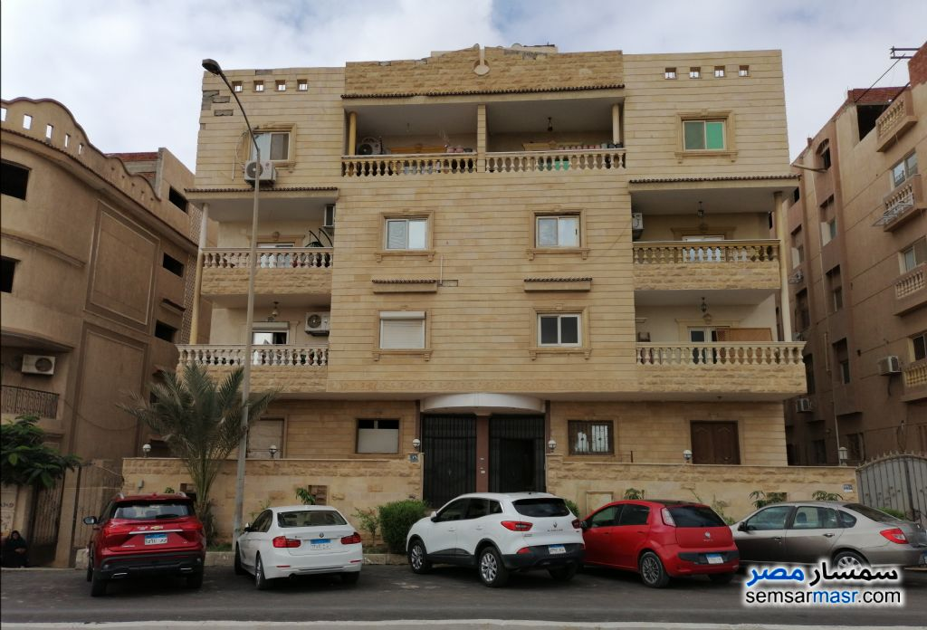 Ad Photo: Apartment 4 bedrooms 3 baths 280 sqm lux in El Motamayez District  6th of October