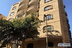 Ad Photo: Apartment 5 bedrooms 3 baths 400 sqm super lux in Hadayek Al Ahram  Giza