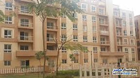 Ad Photo: Apartment 2 bedrooms 1 bath 80 sqm semi finished in El Motamayez District  6th of October