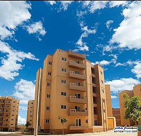 Ad Photo: Apartment 2 bedrooms 1 bath 80 sqm semi finished in October Gardens  6th of October