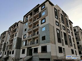 Ad Photo: Apartment 2 bedrooms 1 bath 85 sqm semi finished in October Gardens  6th of October