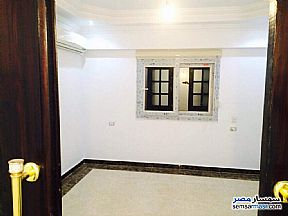Ad Photo: Apartment 3 bedrooms 1 bath 125 sqm extra super lux in Hadayek Helwan  Cairo