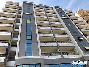 Ad Photo: Apartment 4 bedrooms 2 baths 175 sqm extra super lux in Mokattam  Cairo