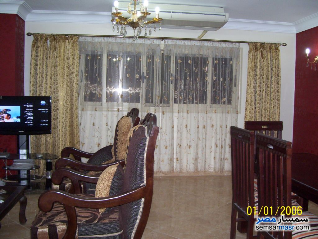 Photo 2 - Apartment 3 bedrooms 2 baths 160 sqm super lux For Rent Mohandessin Giza