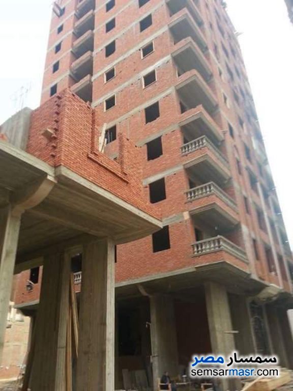 Photo 1 - Apartment 3 bedrooms 1 bath 150 sqm without finish For Sale Hadayek Helwan Cairo