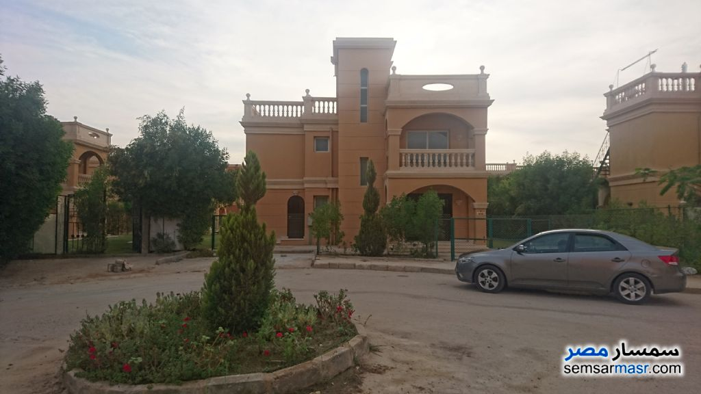 Photo 1 - Villa 3 bedrooms 3 baths 450 sqm For Rent Shorouk City Cairo