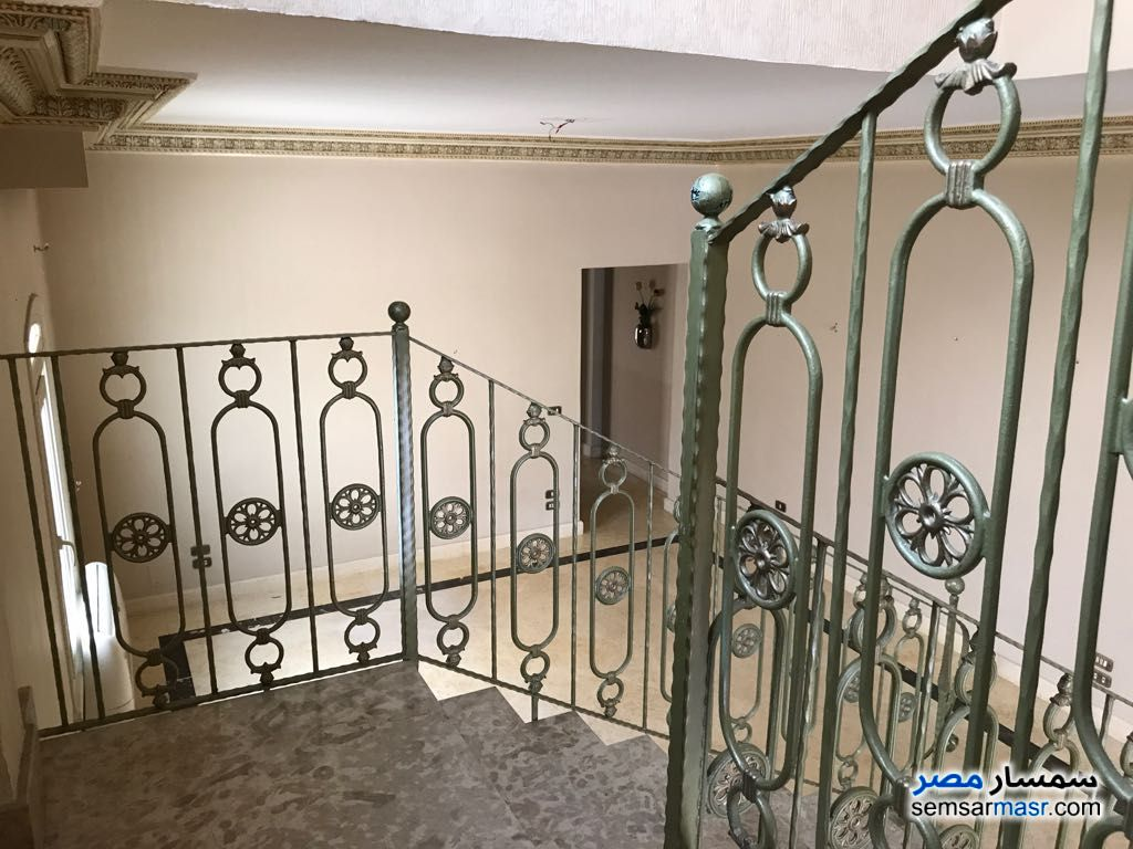Ad Photo: Apartment 3 bedrooms 2 baths 300 sqm extra super lux in Egypt