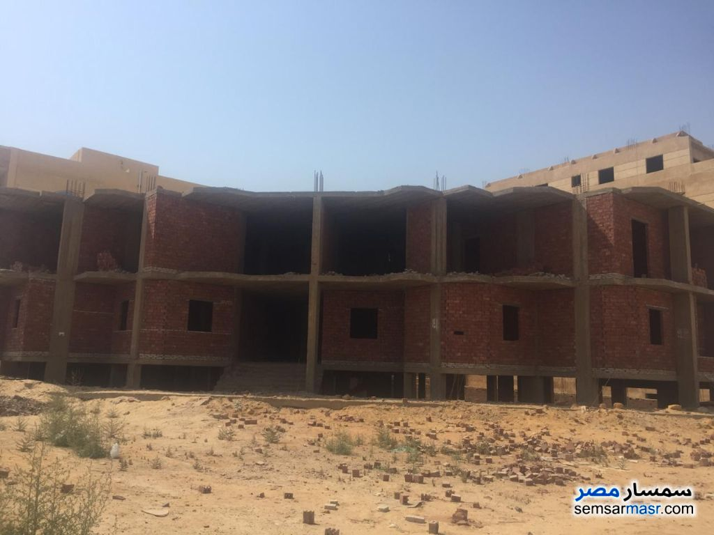 Ad Photo: Building 1024 sqm semi finished in Shorouk City  Cairo
