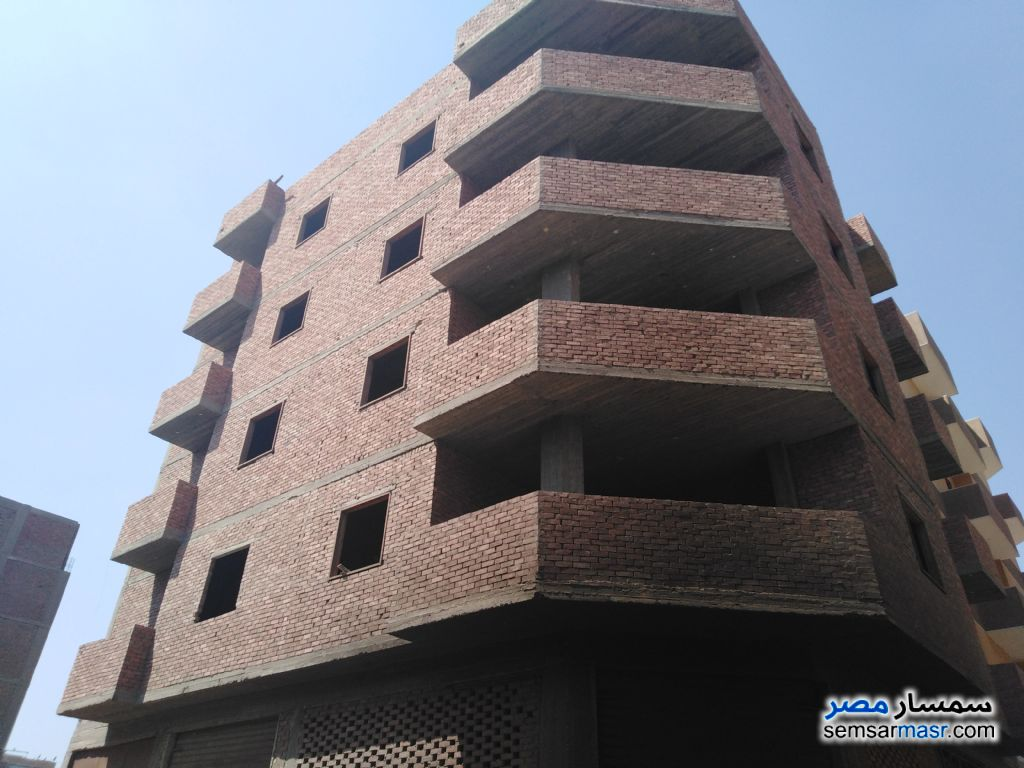 Ad Photo: Building 220 sqm without finish in Sharabayah  Cairo