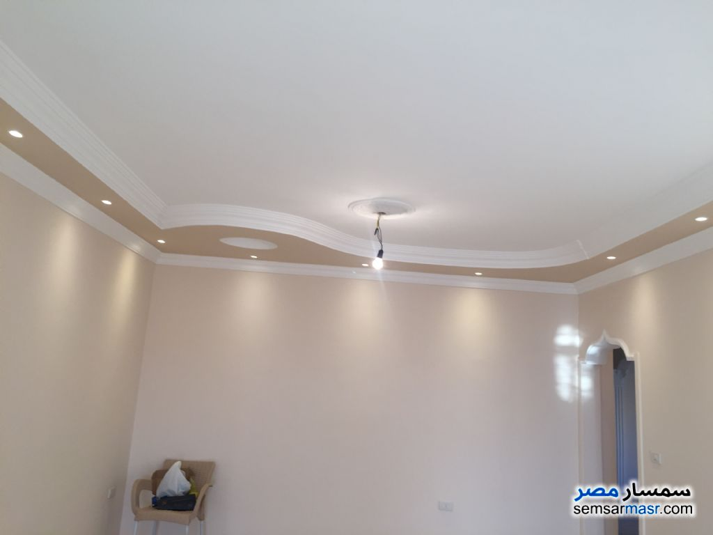 Photo 4 - Apartment 3 bedrooms 2 baths 220 sqm extra super lux For Sale Fifth Settlement Cairo