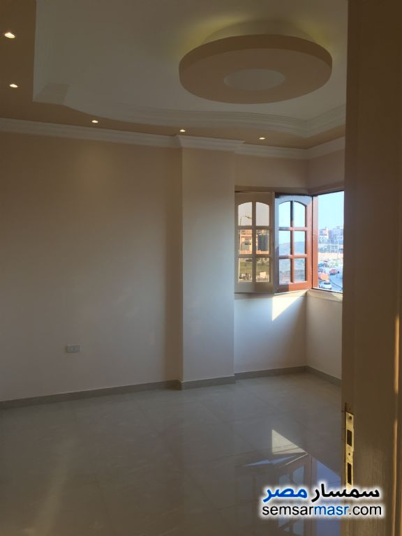 Photo 3 - Apartment 3 bedrooms 2 baths 220 sqm extra super lux For Sale Fifth Settlement Cairo