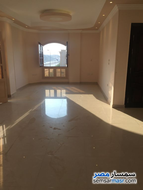 Photo 2 - Apartment 3 bedrooms 2 baths 220 sqm extra super lux For Sale Fifth Settlement Cairo