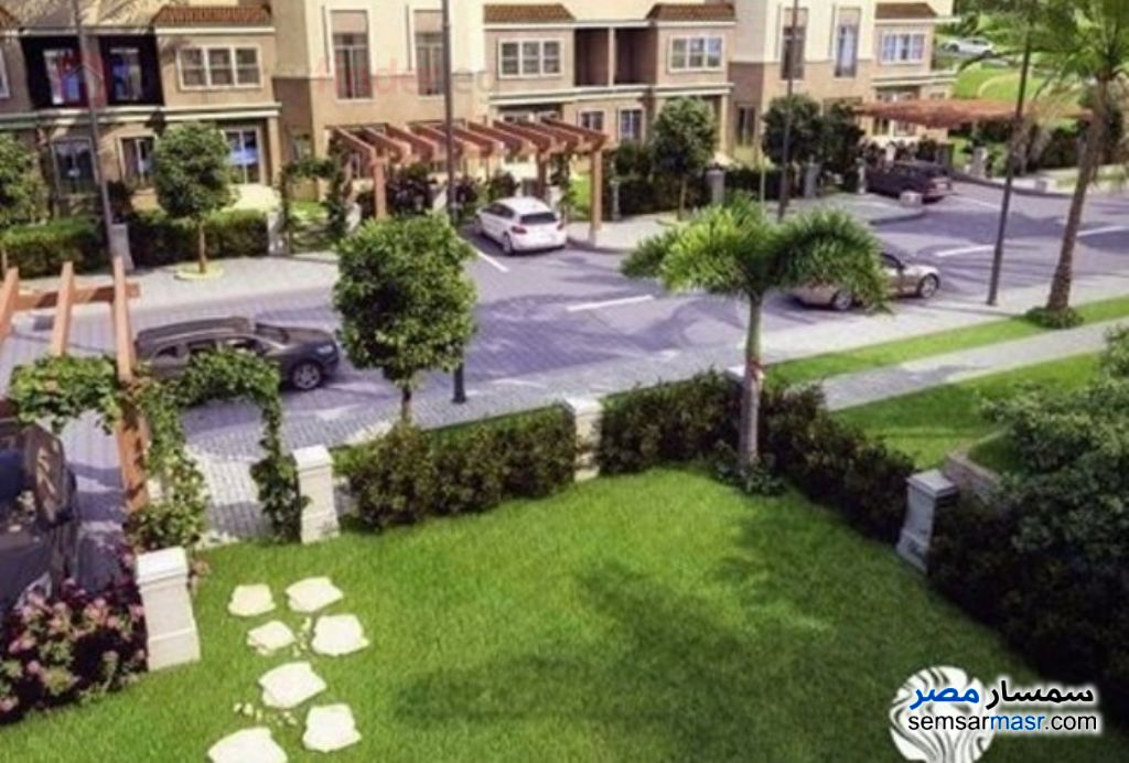 Photo 10 - Villa 4 bedrooms 3 baths 260 sqm semi finished For Sale Fifth Settlement Cairo