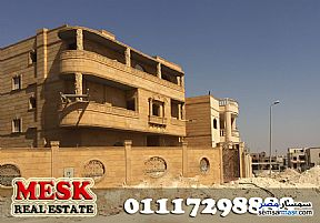 Ad Photo: Villa 5 bedrooms 4 baths 380 sqm semi finished in Mukhabarat Land  6th of October