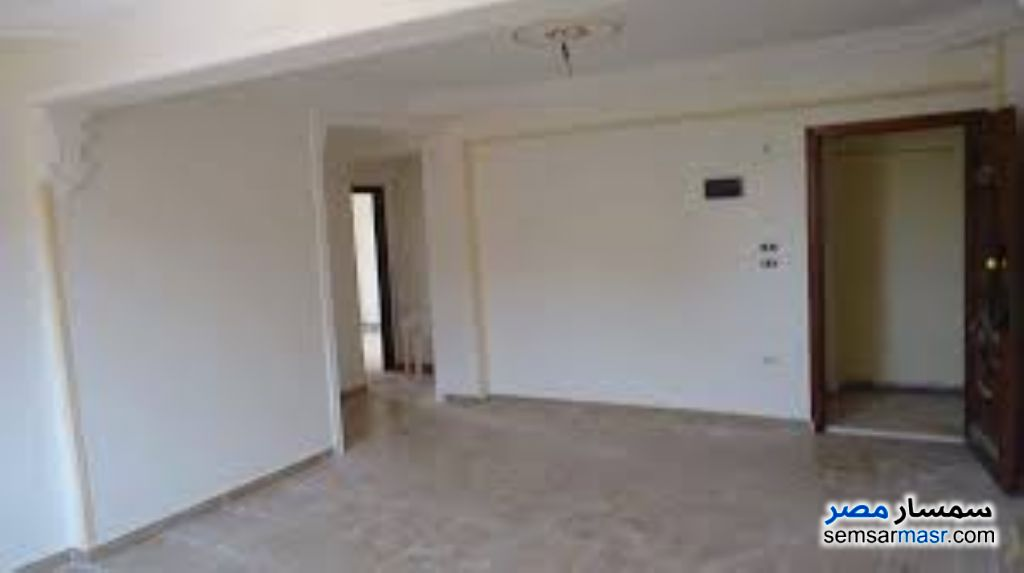 Ad Photo: Apartment 3 bedrooms 2 baths 240 sqm in Mohandessin  Giza