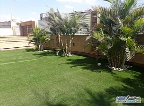 Ad Photo: Villa 5 bedrooms 4 baths 600 sqm extra super lux in West Somid  6th of October